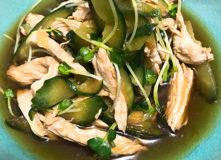 きゅうりと鶏むね肉の中華風サラダ